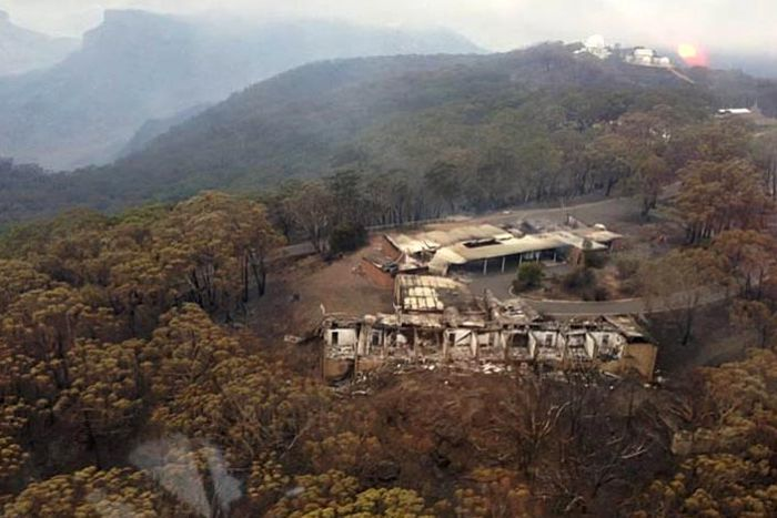 Burnt-out-remains-of-buildings-at-the-Siding-Spring-Observatory-near-Coonabarabran