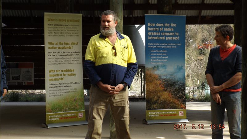 Shane Monk (Taungurung clan) welcoming workshop participants to Euroa Arboretum workshop